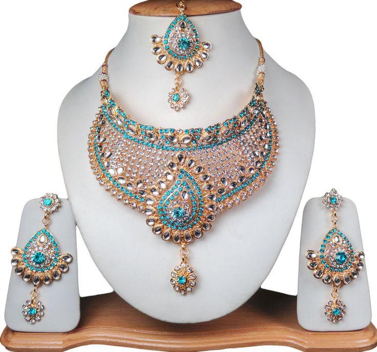 Versuchen Sie diese neue, erstaunlich schöne Halskette gesetzt, um Ihnen von der ZamJewellery. Kreativ entworfen in schönen Mustern aus legiertem Metall mit feinem goldenen / silberfarbenen Ton, die aufwändige Halskette und die eleganten Ohrringe und mangtikka (Stirnschmuck) sind mit lebendigen Farben blendend Steine verziert. | eBay!