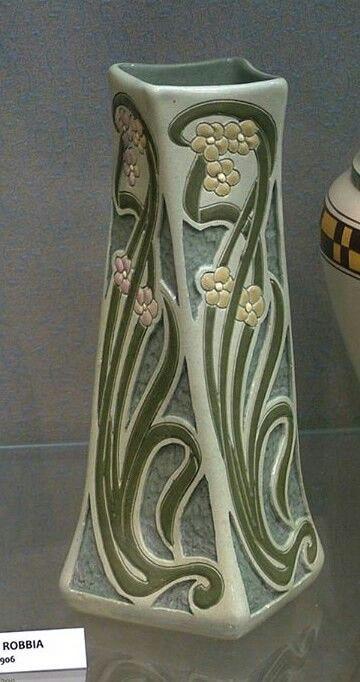 roseville della robbia   Roseville Pottery - Della Robbia - Wisconsin Art Pottery Association