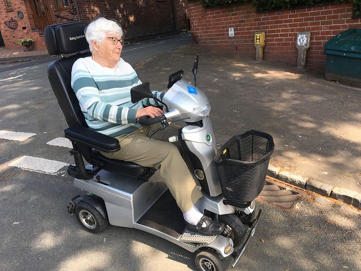 Lady Bailey & the Vitess 2 mobility scooter made a class act together become social & mobile with a Quingo here
