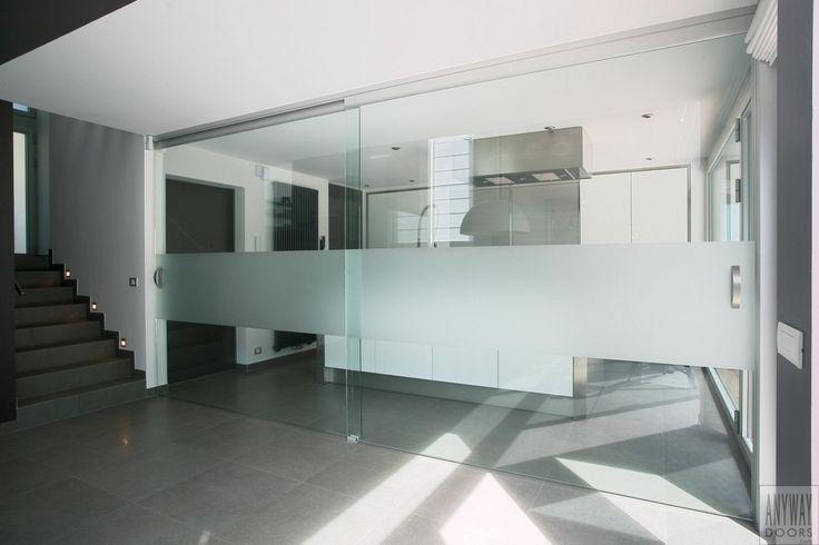 cloison vitrée coulissante double en verre sablé