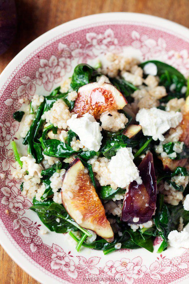 Salatka z kaszą, szpinakiem i figami