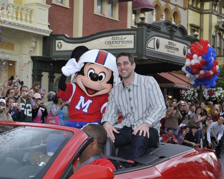 "Green Bay Packers Aaron Rodgers Superbowl MVP ""I'm Going to Disney World"" Commercial."