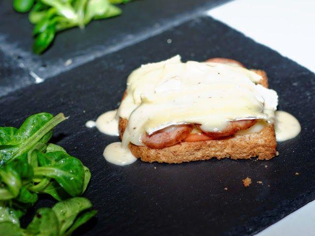 Ma Cuisine et Vous | Tartines Normande, sauce Pommeau | Préparation : 20 minutes Cuisson : 15 minutes Ingrédients (pour 4 personnes) : 4 tranch...