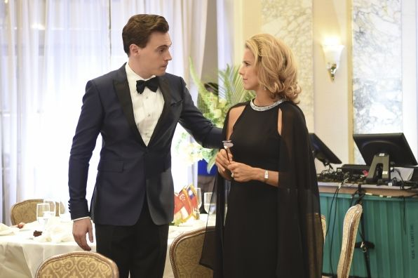 Erich Bergen, Tea Leoni in Madam Secretary