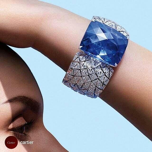 A cool as a swimming pool 197.80-carat Ceylon sapphire dazzles at the center of this @cartier diamond bracelet. #EtourdissantCartier #Cartier: