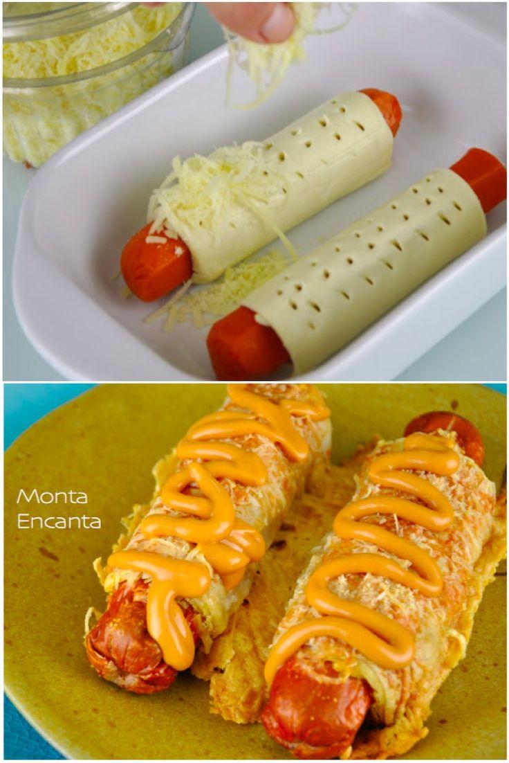 Hot Dog folhado de parmesão crocante, massa folhada comprada pronta, parmesao ralado grosso, salsicha e forno. coberto com mostarda e ketchup