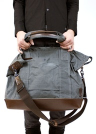 FREE sewing pattern for this weekender bag -- OMG I LOVE THIS!!!