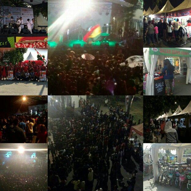 Semua senang...  Acara ramai.. Stand penuh.. Pengunjung pecaaah dalam acara Gebyar Bambu Runcing 2015 di BKT