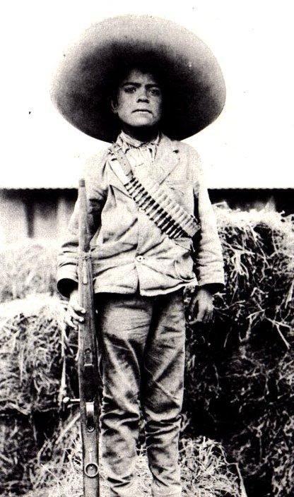 #Foto de un niño soldado de la revolución  Mexicana #Historia