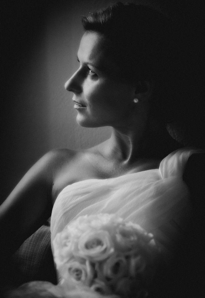 Wedding portrait (Original Description) Wedding Photography By @absst  #photographer #photography #weddingphotography #weddingphotographer #santorini #greece #destinationweddings #weddingsinsantorini #destinationweddings Wedding Planners @glaminsantorini