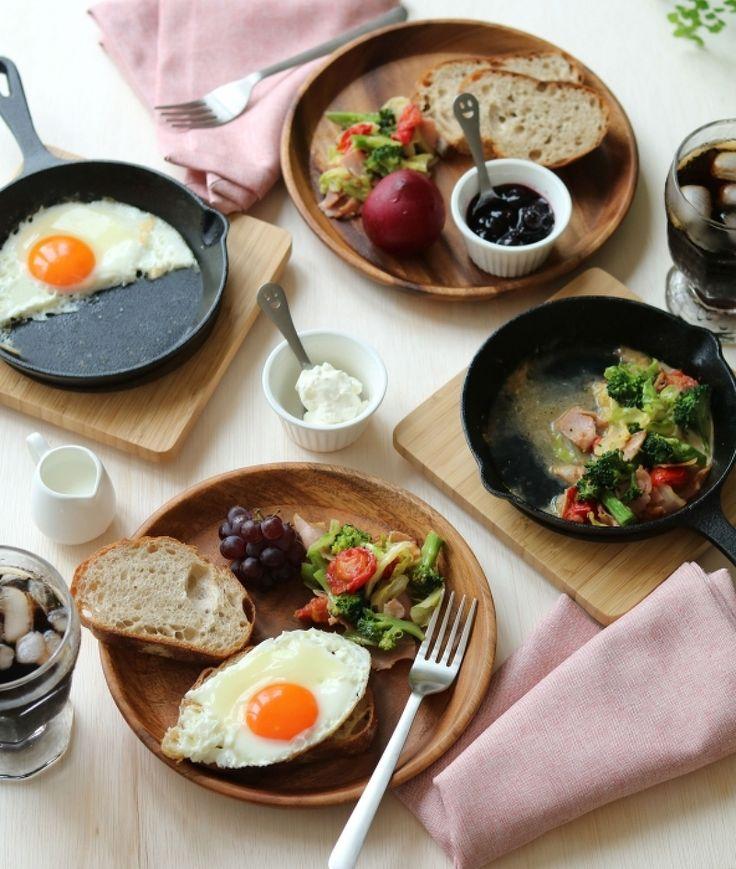 お休みの日の朝ごはんを極上タイムに♪ 秘密はアレの選び方にあり ... 今回、栁川さんが紹介してくれたのが、こちらの朝ごはんテーブル。スキレットを中心に、木のプレートやグラス、ココットを組み合わせた、朝時間をゆったり過ごせそうな ...