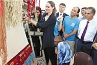 Angelina Jolie'den Türkiye'ye teşekkür