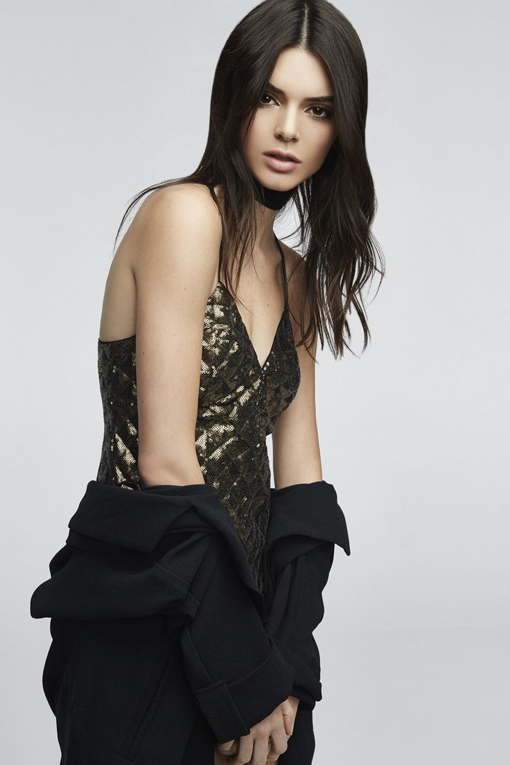 Kendall jenner iphone wallpaper tumblr - See Every Single Piece From Kendall And Kylie Jenner S Pacsun Holiday Collection