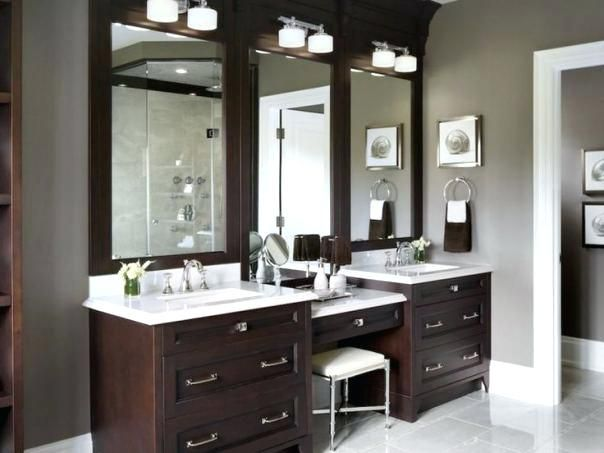 Bathroom Vanity Addl Makeup Area Oak Terrace Traditional Master