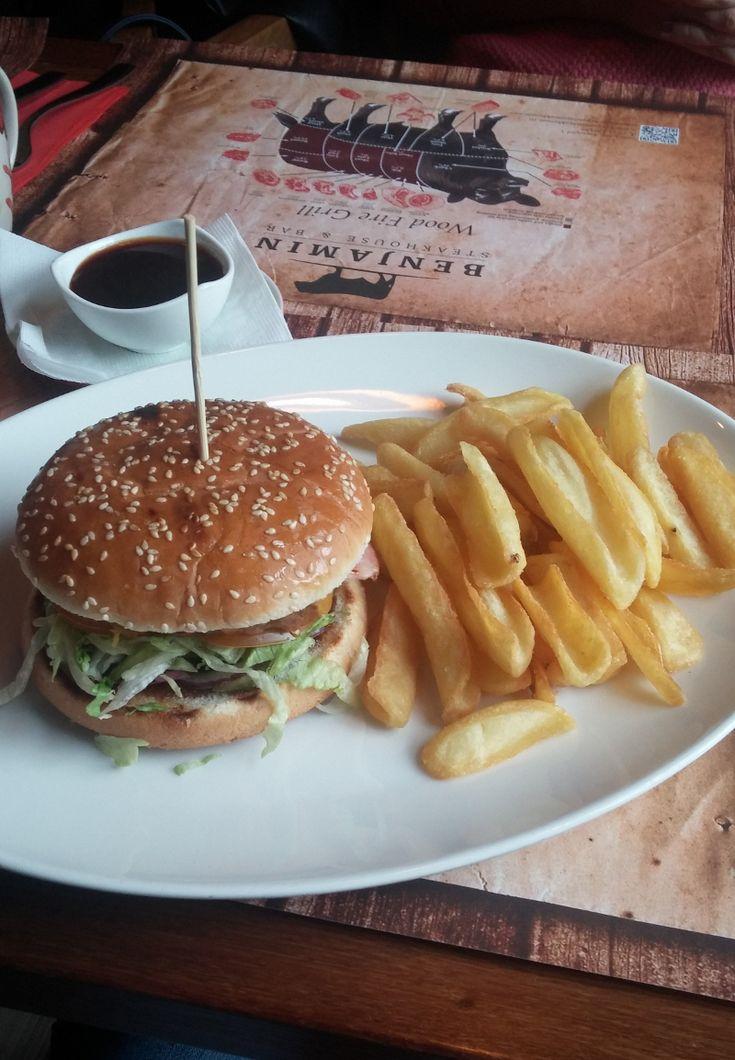 Benjamin Steakhouse Texas Burger