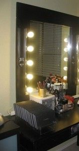 lights around your vanity mirror diy decorating painting staining hanging how to 39 s. Black Bedroom Furniture Sets. Home Design Ideas