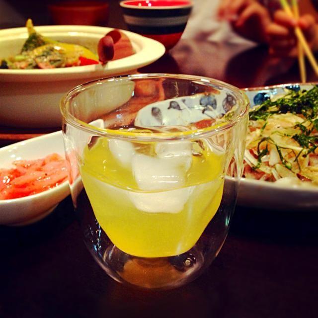 もらいものだらけの夕飯(≧∇≦)笑 なんて幸せ✨ ビワ酒もなかなか( ´ ▽ ` )ノ でもやっぱりビール出動! やっときた週末ばんざい(≧∇≦) おつかれさまです( ´ ▽ ` )ノ - 159件のもぐもぐ - もらった鰹をタタキ&もらったかぼちゃを他の色々野菜と温野菜に&もらったビワ酒&もらった白魚めんたい&もらった美味しい豆腐でわかめとお味噌汁ー(≧∇≦)やっと週末かんぱーい(=´∀`)人(´∀`=)もらいもののオンパレード、ありがたやー✨ by Siriri