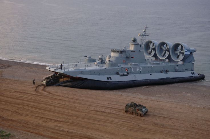 Military craft | ... : Experts dismiss PLA Navy's landing craft from Ukraine as giant toys