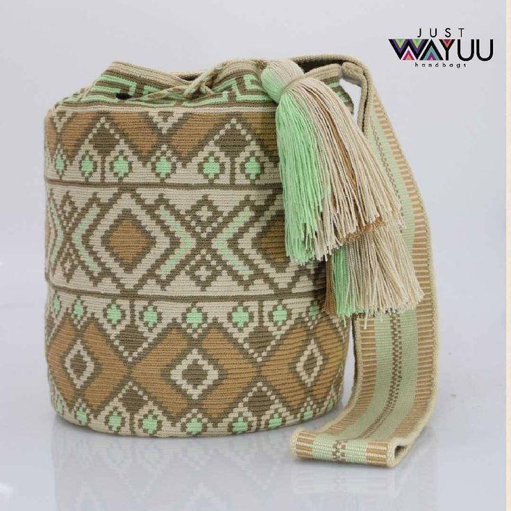 276 отметок «Нравится», 6 комментариев — Just Wayuu (@just.wayuu) в Instagram: «Large Earth tones single thread bag. Handcrafted handbags made by indigenous wayuu in the north of…»