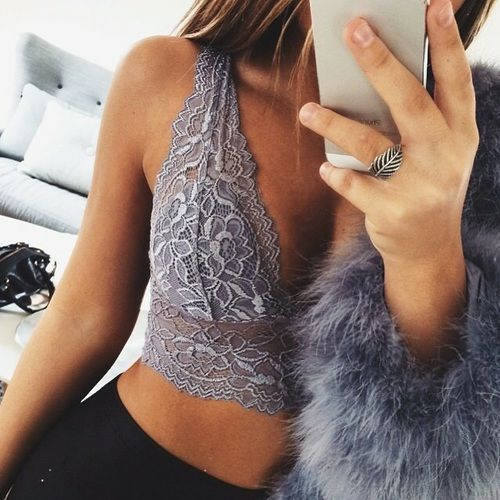 Top: http://www.ebay.ie/itm/LOT-OF-2-Floral-Lace-Triangle-Bra-Plunge-Bralette-Unpadded-Lined-Crop-Top-0013-/251571050148?var=550472606221&hash=item3a92cd96a4:m:maZ4r3ZhPBqbCvjcwz-hfIA  Jeans: http://www.boohoo.com/new-in/julie-mid-rise-leg-skinny-jeans/invt/dzz90786