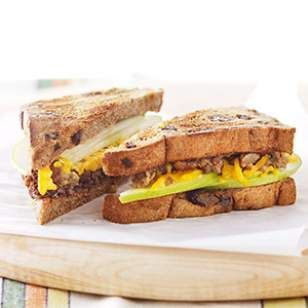 5-Minute Breakfast Recipe... Apple & Veggie Sausage Breakfast Sandwich...This healthy vegetarian breakfast-sandwich recipe comes together in 5 minutes, but has plenty of protein from a vegetarian sausage patty and fiber from the whole-wheat bread and apple to keep you satisfied all morning long.