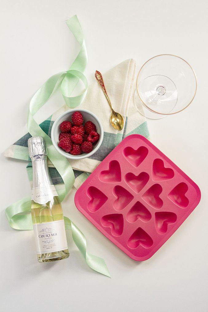 "HIELOS ""CORAZON DE FRAMBUESA"" (Raspberry Wine Cubes) #IdeasParaSanValentin #CoctelesParaSanValentin"