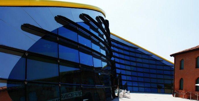 Museo Enzo Ferrari di Modena   [ParlamiditER 112] Visita al Museo Casa Enzo Ferrari