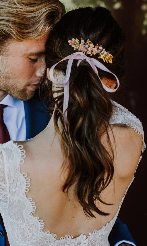 Bridal Hairstyles That Look Even Better With A Ribbon