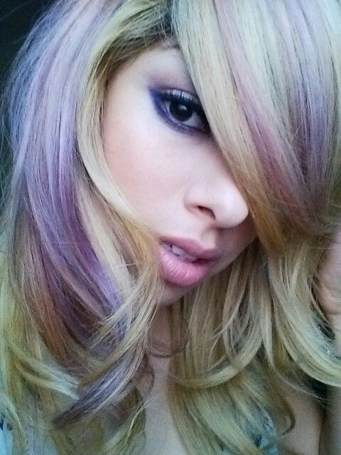 Schwarzkopf toners in strawberry and lilac