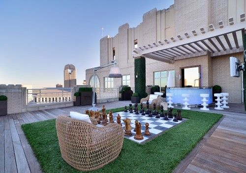 Life size chess board..modern patio by Harold Leidner Landscape Architects