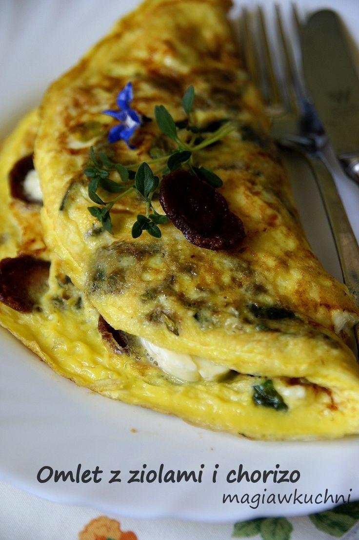 omlet z chorizo http://magiawkuchni.blox.pl/2014/07/Omlet-z-ziolami-i-kielbasa-chorizo.html