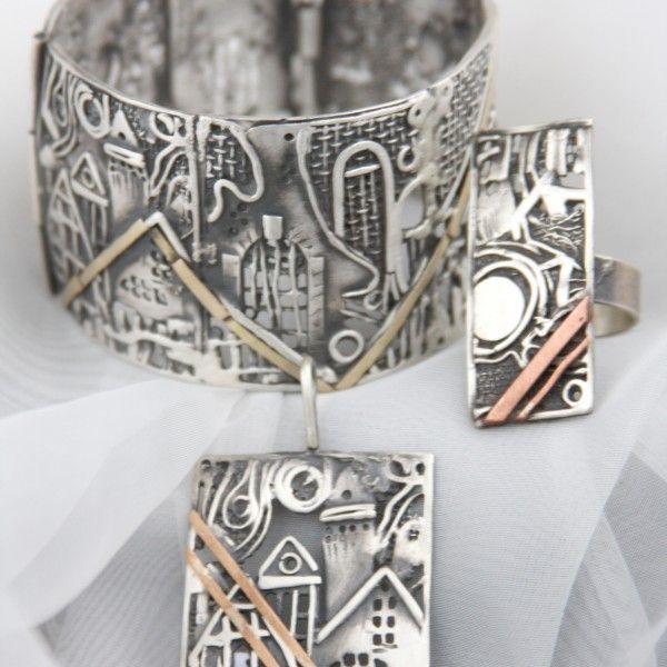 Jedyna, wyjątkowa i niepowtarzalna kolekcja biżuterii autorstwa Doriana Grabowskiego. Idealny prezent dla Niej na wyjątkową okazję.