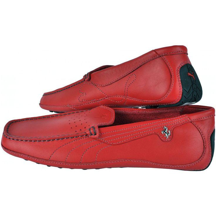 Potriviti pentru persoanele ce adora stilul casual sau elegant, pantofii  sport Puma DM1 Cavallino se vor aseza perfect atat la jeansi cu tricou  cat si la pantaloni eleganti asortati cu o camasa. Interiorul din piele,  acele mici gauri din dreptul limbii cat si talpa usoara, te vor face sa  te simti confortabil atunci cand mergi la o intalnire de afaceri, un  cocktail sau pur si simplu la teatru sau la plimbare. Culoare: Rosu Material: Exterior si interior din piele, talpa din cauciuc