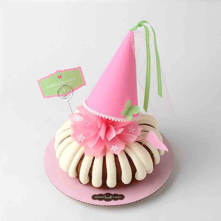 11 Best Cakes Images On Pinterest Petit Fours Beautiful Cakes And