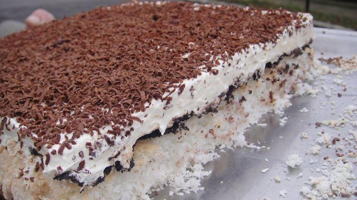 Rumos kókusztorta – fél óra alatt elkészíthető, az íze pedig mennyei! Beleszerettem ebbe a sütibe :)
