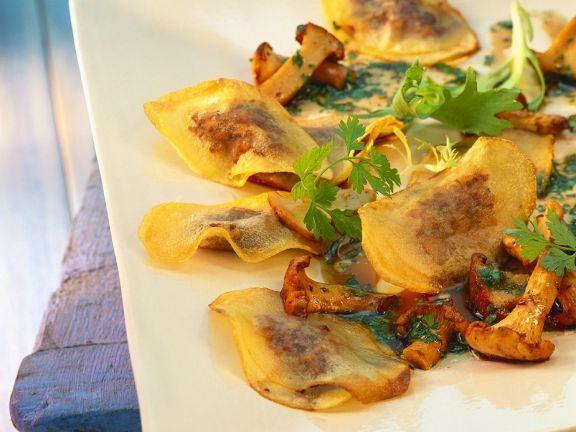 Kartoffel-Pilzravioli ist ein Rezept mit frischen Zutaten aus der Kategorie Pilze. Probieren Sie dieses und weitere Rezepte von EAT SMARTER!