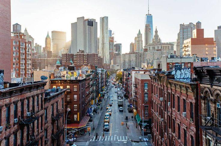 Wer eine Metropole wie London, New York oder Paris zum ersten Mal besucht, fragt sich nicht nur, welche Highlights unbedingt auf dem Programm stehen müssen, sondern auch: was man in der jeweiligen Stadt besser vermeiden sollte.