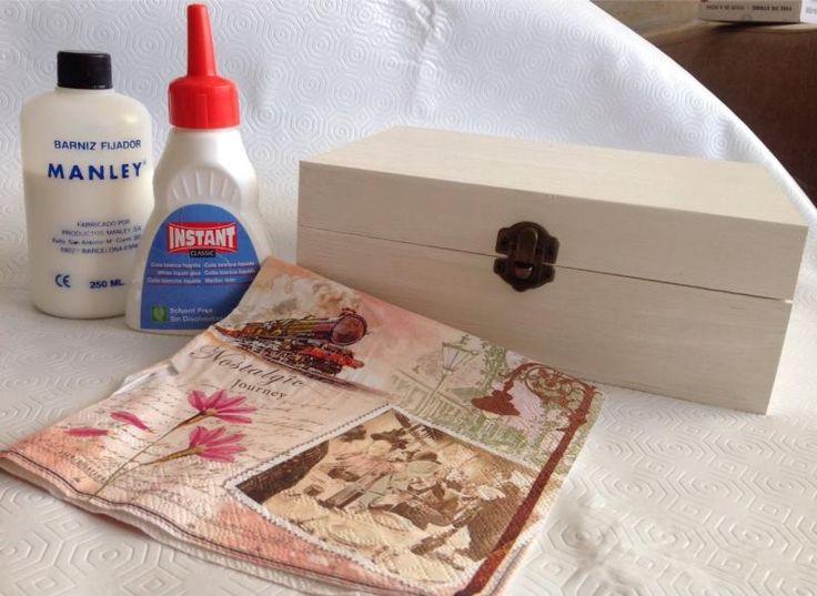 Cómo decorar una caja con la técnica Decoupage | Un par de cositas