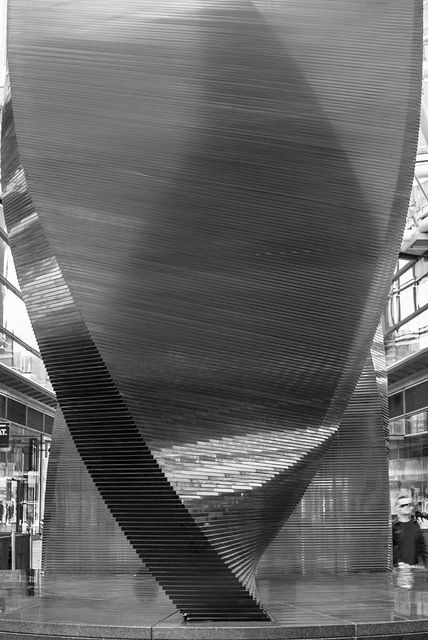#glass #sculpture, statue in #london, close to victoria station