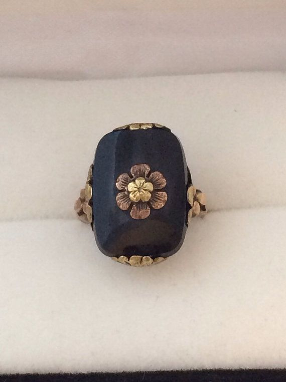 Estate Art Deco Era 10K Gold Cushion cut Black Onyx & White Gold Adorned with Floral Center Solitaire Lovely Antique Ring