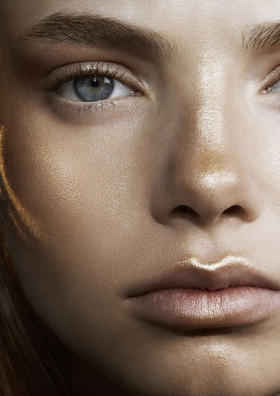 Shimmer - highlight with a bronzy glow. Makeup for blondes.