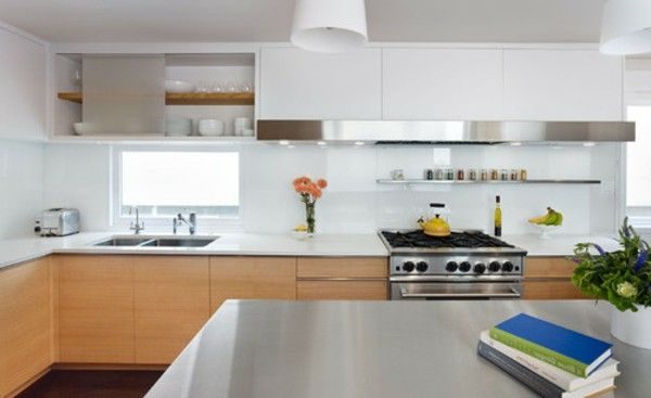Minimalist kitchen contrast colours of wooden plate light books