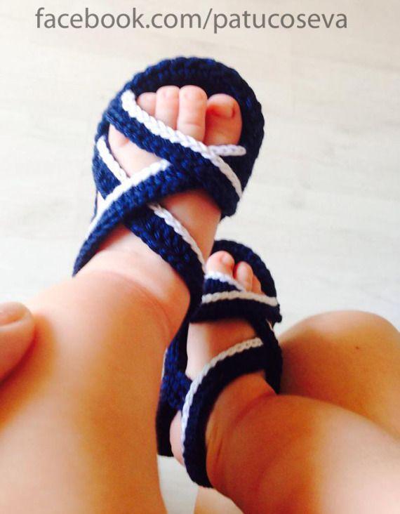 Sandalia para niño de ganchillo hechos a mano con perlé de alta calidad.Patucos de primavera/verano.Elige talla y colores!!!!Tallas: 0-3 meses (9 cm