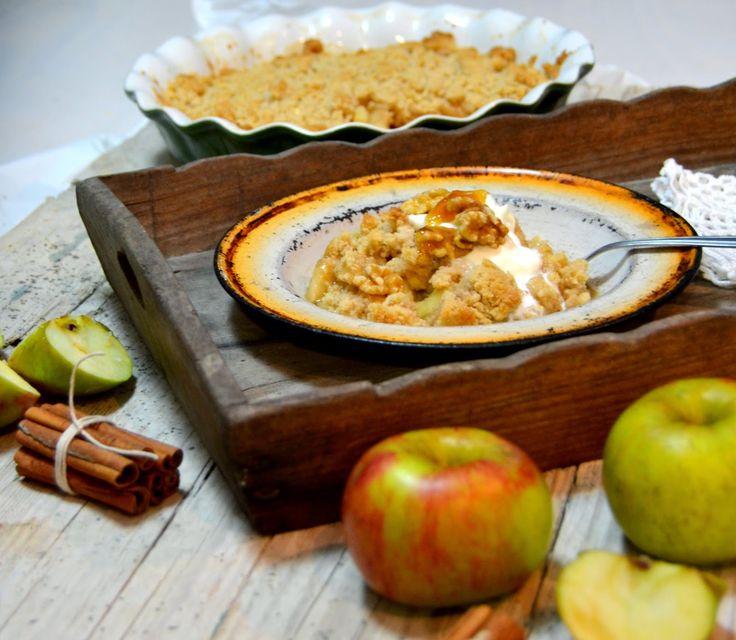 Uma massa crocante, maçã, nozes e mel... Que mais se pode pedir numa sobremesa?