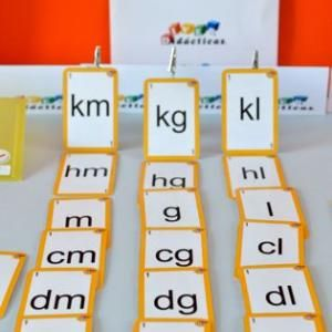 """""""Escalera de medida"""". Baraja del sistema métrico decimal para que niños de 8 a 10 años interioricen las relaciones entre las unidades de medida. ¡Lista para jugar por 10,61€!"""