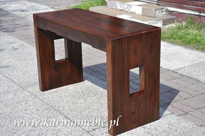 """meble kolonialne -BIURKO """"WINSLOW""""  Meble z kolekcji Winslow charakteryzuje prosta forma złagodzona delikatnymi zaokrągleniami. Praktyczna konstrukcja, pojemne szuflady i półki w połączeniu z pięknym, naturalnym materiałem daje oryginalny i niepowtarzalny efekt. Drewniane meble bardzo dobrze pasują do współczesnych wnętrz, podkreślają ich indywidualny styl a dzięki użyciu szlachetnego palisandru indyjskiego dodają mu prestiżu i elegancji."""