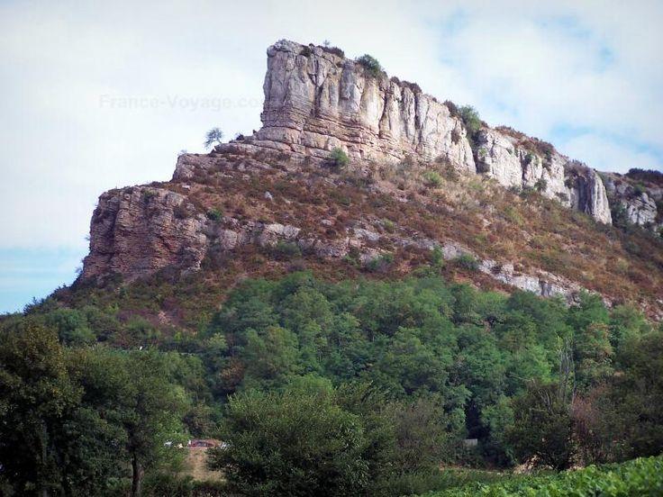 La Roche de Solutré - Guide tourisme, vacances & week-end en Saône-et-Loire