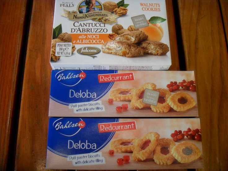 2016.2.21. At Lotte Department Store main branch bought biscotti cookie for Sujung and Bahlsen Deloba Red.