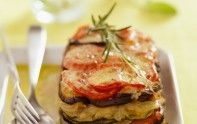 Envie d'un plat gratiné à base de légumes ? Le chef Cyril Lignac vous propose la recette du tian provençal.