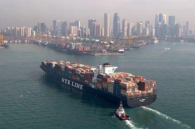 日本郵船が燃料費を300億円削減、気象条件に合わせ運航を最適化 : 日経BizGate